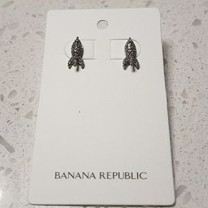 Banana republic earrings NWT